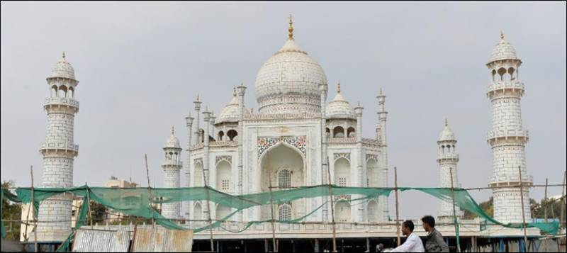 iconic taj mahal is dying warn experts. Black Bedroom Furniture Sets. Home Design Ideas