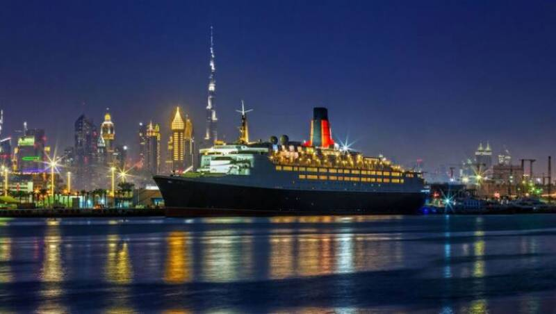 Queen Elizabeth 2 Dubai S First Floating Hotel To Open