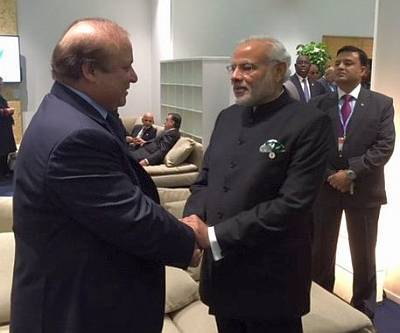 PM Narendra Modi meets PM Nawaz Sharif during Paris Climate Change Summit 2015