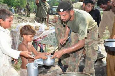 Pakistan Army relief camps established in drought hit Thar area of Sindh