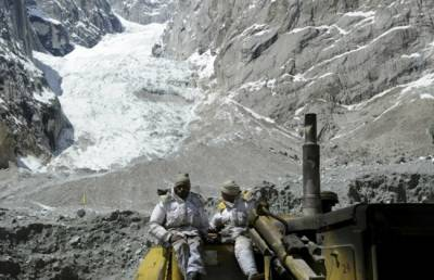 Ten Indian Army soldiers missing in Himalayan Avalanche