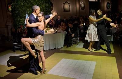 ARGENTINE: Barack Obama performs Tango Dance at dinner in Argentine