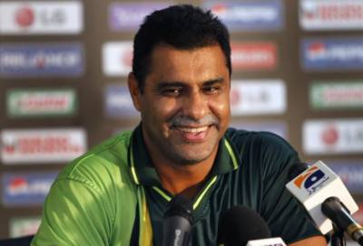 Waqar Younis apologizes to the nation over poor performance of team in the mega event
