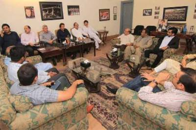 Imran Khan questions Pakistan foreign policy