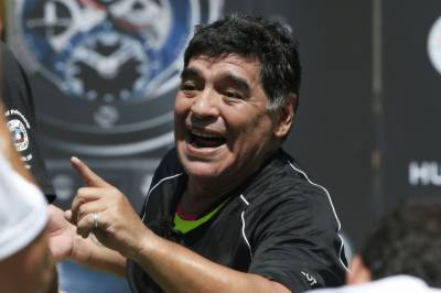 Maradona tells Argentina 'don't come back' without Copa Trophy