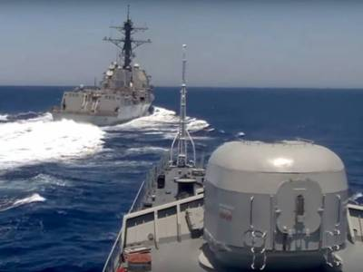US - Russian Naval Ships face off in Mediterranean Sea