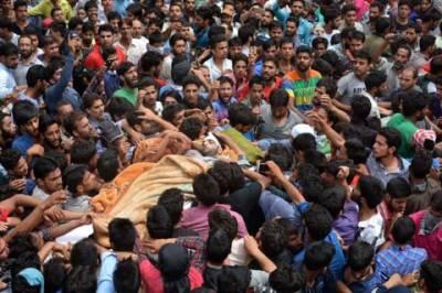 Burhan Wani Funeral in IHK is an eye opener for India: Indian Writer