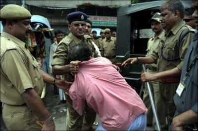 Indian police arrests Kashmiris for sloganeering on mosque loudspeakers
