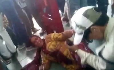 Muslim women harshly beaten for carrying beef in India
