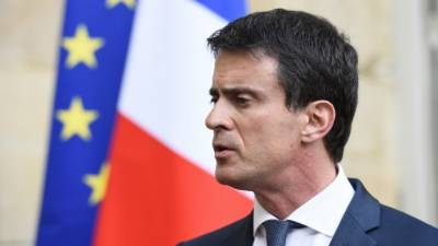 French PM for temporary ban on foreign financing of mosques