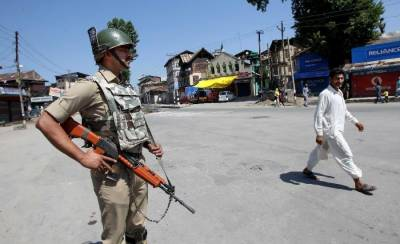 Indian police seizes Jamia Mosques in Srinagar