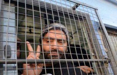 JKLF Chairman Yasin Malik shifted to Srinagar Central Jail by Indian Troops