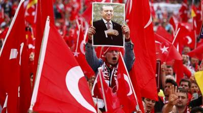Pro-Erdogan Turks rally in Germany
