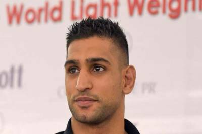 Boxer Amir Khan visits Thar along with wife Faryal Makhdoom