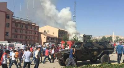 Police Headquarters under attack in eastern Turkey