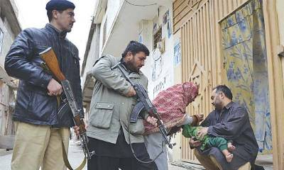 KPK Police arrests people for refusing polio drops to children