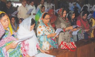 Sukkur Mayor, deputy Mayor take oath