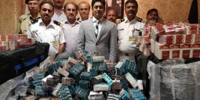 Pakistan Customs team seizes huge cache of contraband items