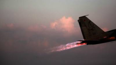Israeli Air Force hits Syrian Army positions