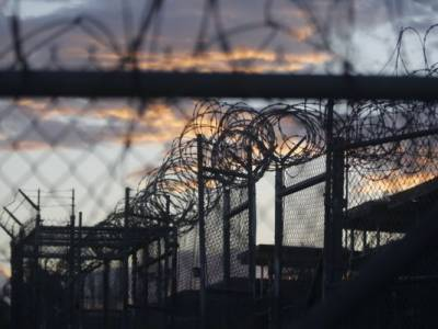 US military closes prison camp at Guantanamo Bay