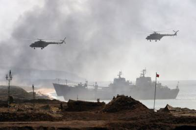 Russia displays military might in Crimea in Military exercise