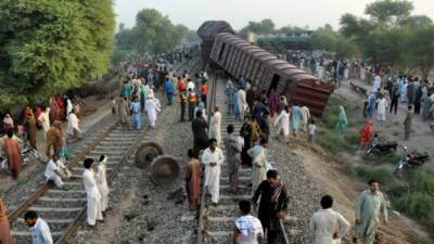 Pakistan Railways compensation package for Multan Train accident victims