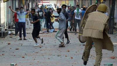 Indian Forces crack down against pro freedom protestors in IOK