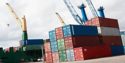 Pakistan services sector exports decline by 53%