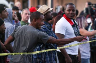 Protests in California after unarmed black man shot dead by US police