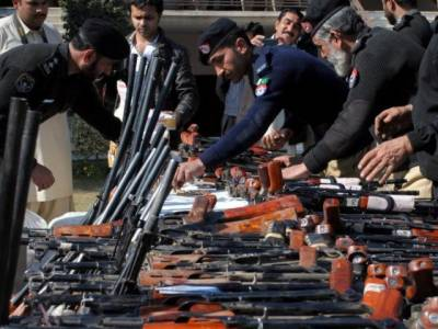 43 militants surrender, lay down arms in Baluchistan