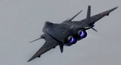 China to stun world with display of fifth generation fighter jets J-20 and J-31