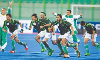 Pakistan beat Malaysia in semis after thrilling fight in Champions Trophy