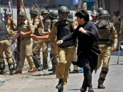 Indian forces crackdown in Kashmir