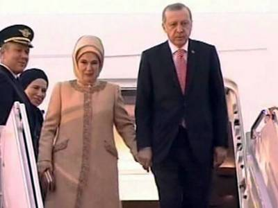 Turkish President Tayyip Erdogan received by PM at Islamabad Air Port