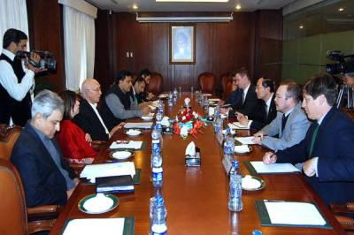 Pakistan briefs UNSC permanent members over LoC violations