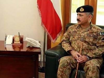 Corps Commander Peshawar visits Ghalanai Camp
