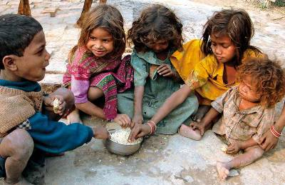 Number of Pakistanis living below poverty line alarming, government admits