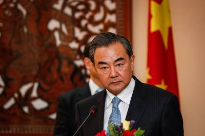 China's foreign minister warns USA