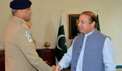 COAS General Qamar Bajwa holds first one on one meeting with PM