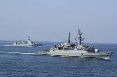 Pakistan Navy ship rescue operations in Gulf of Aden