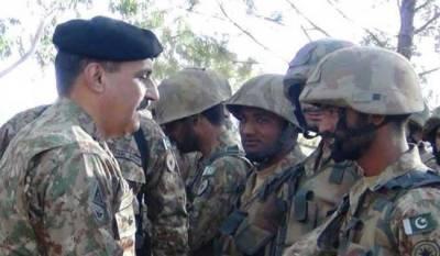 Commander Rawalpindi Corps General Nadeem Raza visits LoC