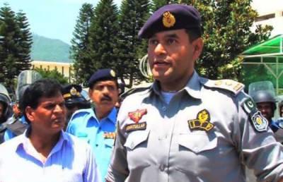 Imran Khan in trouble over SSP Asmat Ullah Junejo case