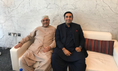 Asif Ali Zardari lands in Karachi after 18 months of self exile
