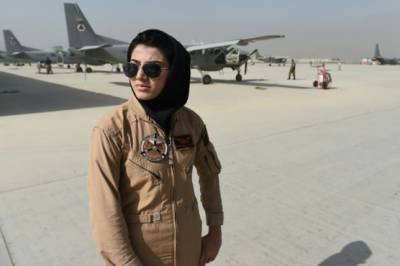 Afghanistan first female pilot refuses to come back from USA