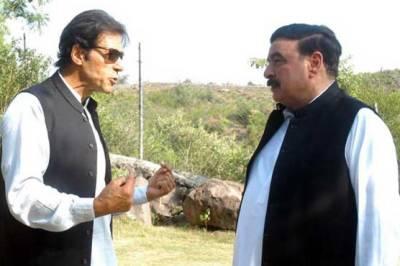Imran Khan meets Sheikh Rashid