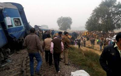 Indian train derailed: Casualties feared