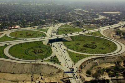 Punjab government diverts southern Punjab funds towards Roads of Lahore