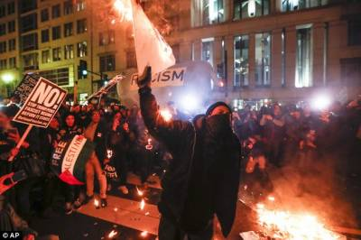 Anti-Trump protesters, attendees clash in Washington
