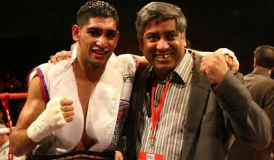 Boxer Amir Khan removes his father from management team