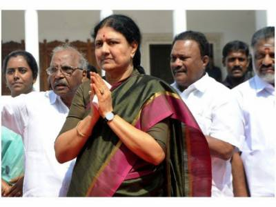 VK Sasikala: Former Video Seller to become Chief Minister of Indian State